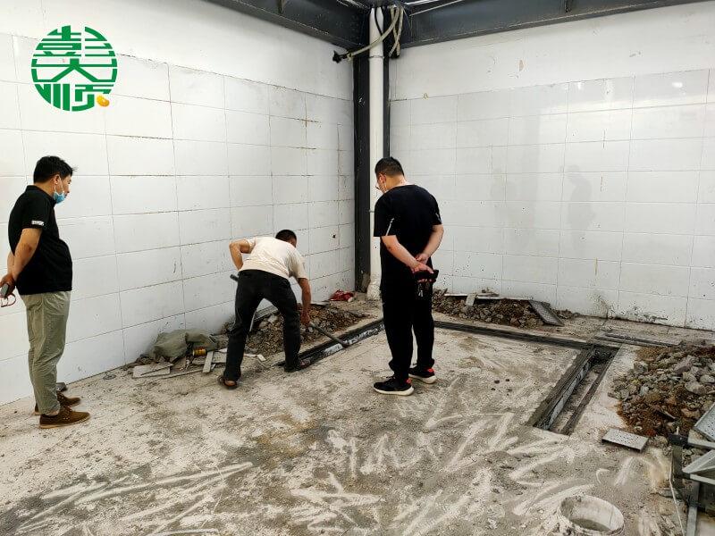 彭乐天堂Fun88国际协助蔡老板进行店面装修