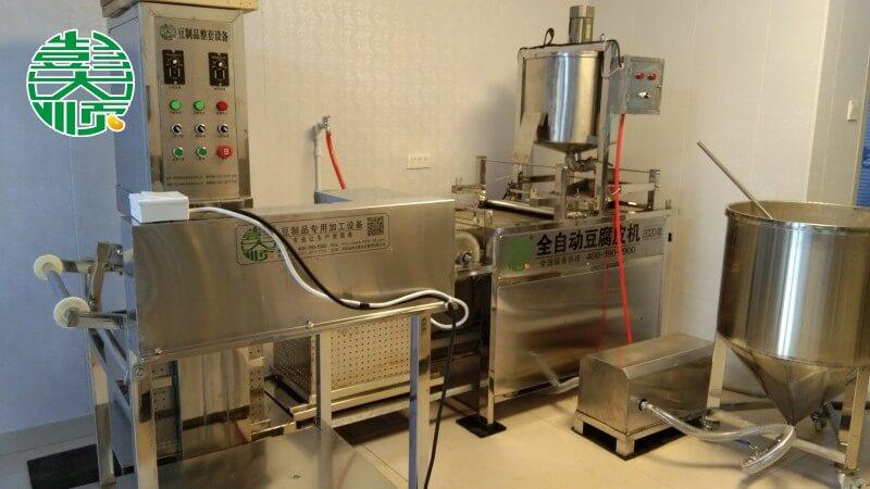 呼和浩特豆制品设备安装现场